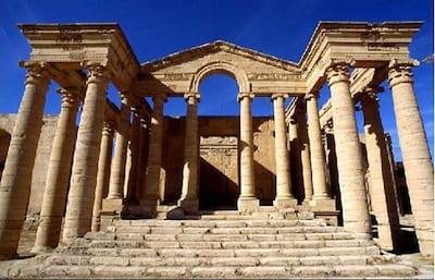 Ancient_ruins_at_Hatra_-_Iraq_