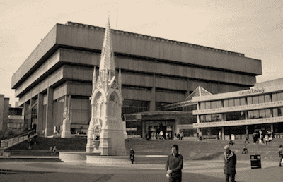 Brutalism_facing_off_with_heritage__not_difficult_to_tell_which_one_dominated_back_then