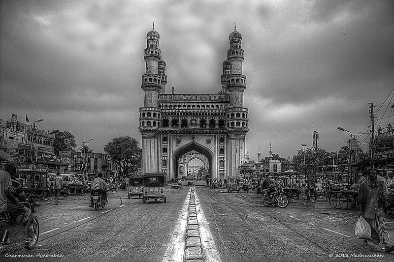 Charminar_in_built_by_Muhammad_Quli_Qutb_Shah_in_1591