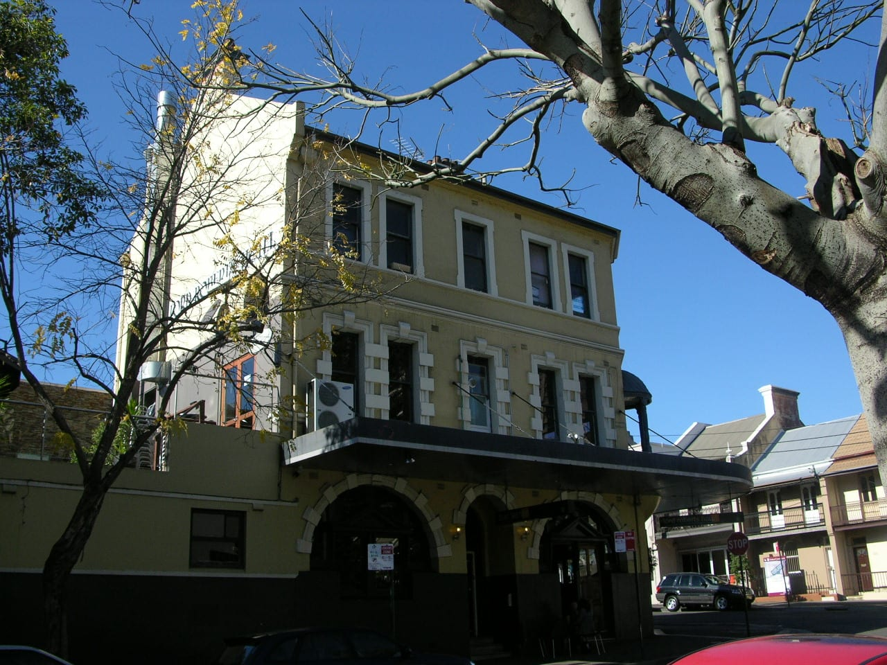 Watters Gallery Riley St East Sydney 8